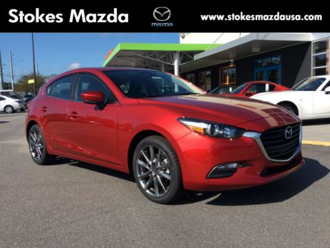 New 2018 Mazda3 Touring FWD 4D Hatchback